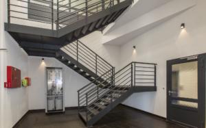 Online IAT Gebäude Treppenhaus